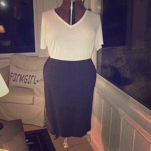 Talbots 16W Dark Grey Skirt w/ Box Pleats at Hem.